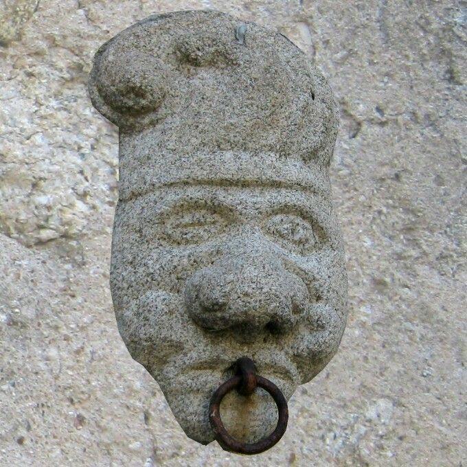 Gagliato,, antica opera muraria in granito