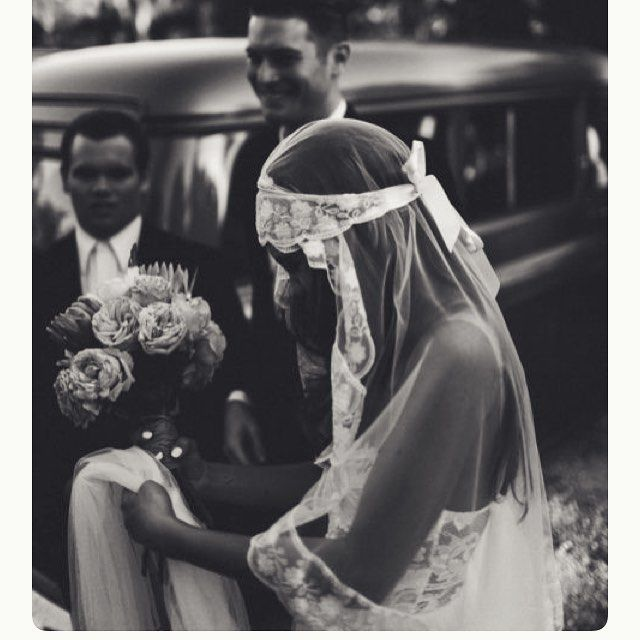 Beautiful hippie bride veil inspiration. #weddingveil #veil #bohemianbride #bohobride #vintagebride #vintageveil #vintagewedding