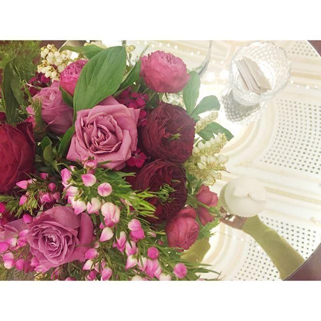 At #tattersallsclub wedding showcase. Beautiful flowers from @bellabloomfloraldesigns 😍❤️🌸🌸