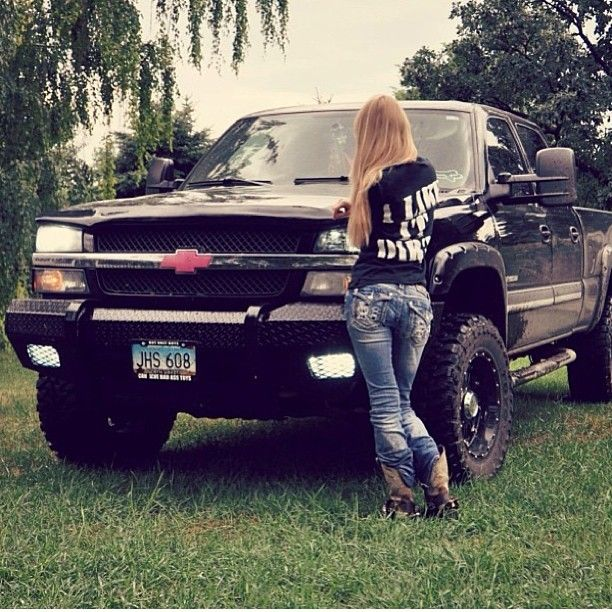 Www.DieselTruckGallery.com Duramax Girl