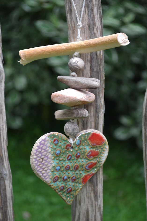 Anhänger aus Keramikherz als Deko für den Garten / pottery heart for the garden, balcony decoration made by Keramik-Kreativ via DaWanda.com