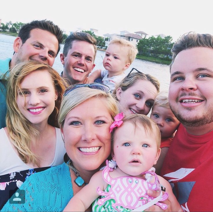 Ellie & Jared, Daily Bumps, and Cullen and Katie. Love my YouTube families!