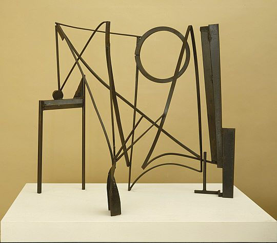 anthony caro -table piece ccclxxviiii  http://www.play-scapes.com/play-art/playable-sculpture/playscape-inspiration-from-anthony-caro/