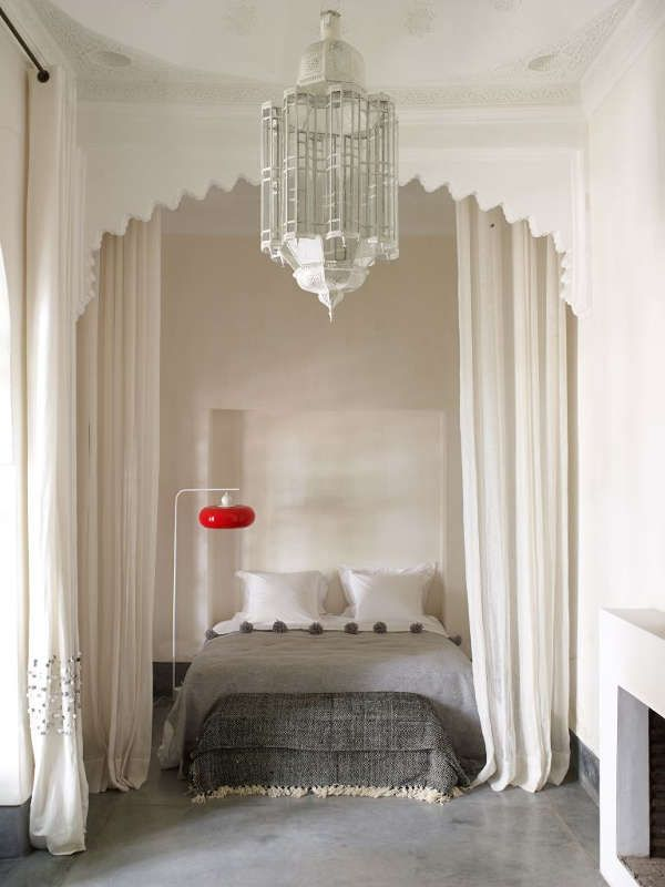 Hump day? What hump day? No we're all on a virtual getaway to Marrakech, to Riad Mena & Bey...
