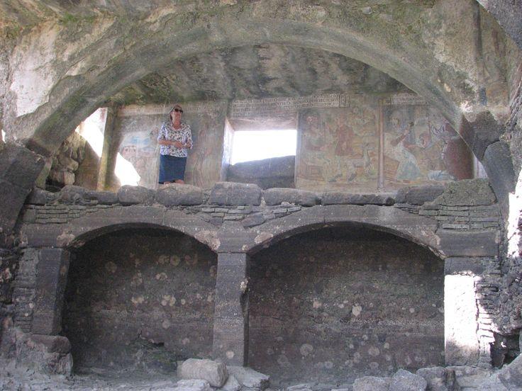La dureza del estío del 2015 ha secado completamente la charca de aguas curativas sobre la que se construyó la Ermita de San Jorge, un lugar mágico.