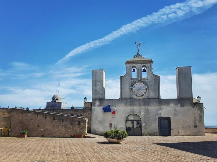 Castel Sant'Elmo a medieval fortress in Naples Italy  #naples #napoli #italy #travel #afternoon #castelsantelmo #castle #fortress #walls #old #architecture #oldarchitecture #bluesky #clock #galaxys6