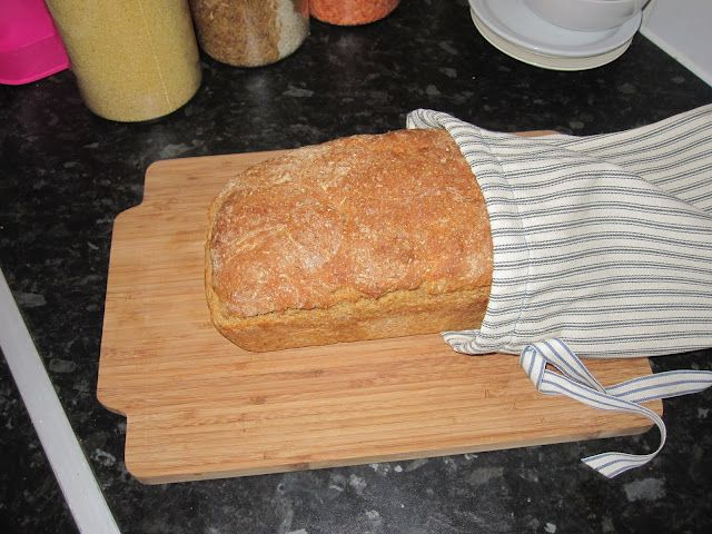 How to store homemade bread. Going to try to do this ASAP now that I'm trying to make homemade sandwich bread each week....