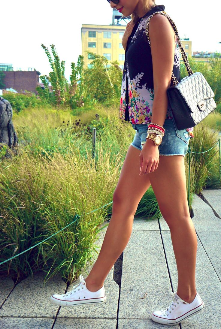love the converse with a cute blouse and casual shorts