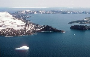 Deception Island. Into the eye through the Devils Bellows.  We sailed into the collapsed volcano