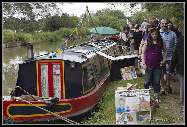 Narrowboat Art Shop by leightonian, via Flickr