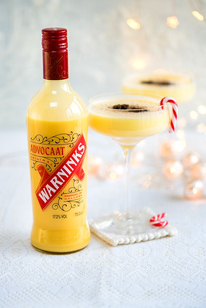 Snowball festive cocktail with Warninks Advocaat