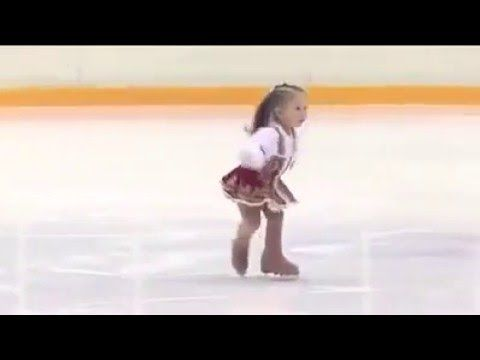 AMAZING: 2 Year-Old Russian Girl is an Excellent Ice Skater