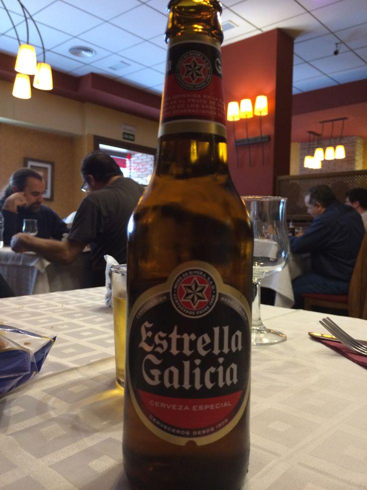 Estrella Galicia. La cerveza rubia de Galicia desde 1906. Tomada en el restaurante Gallego Candamil, Málaga.