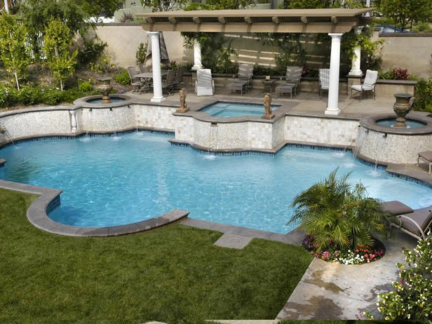 OUTDOOR POOL AND SPA RETREAT
