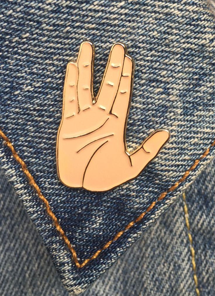 Vulcan Salute, Spock Hand Pin, Soft Enamel Pin, Art, Jewelry, Gift (PIN10)