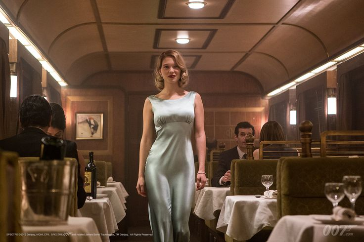 Watch a new SPECTRE video blog introducing the characters played by Monica Bellucci and Léa Seydoux