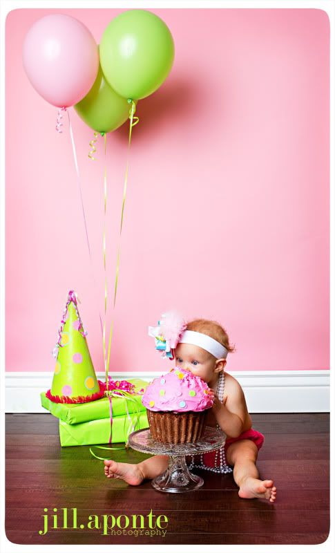 Cute 1st birthday picture. Giant cupcake
