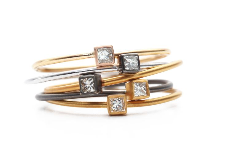Stacking square diamond rings www.apriati.com