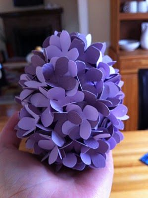 Hydrangea paper petal covered eggs!: Odd Eggs, Hydrangeas Paper, Covers Eggs, Hydrangeas Crafts, Hydrangeas Eggs