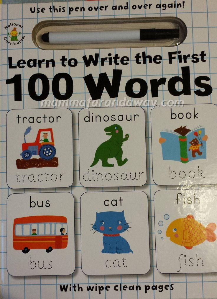 Un libro ed il suo pennarello per imparare a scrivere 100 nomi di uso comune. Le pagine sono cancellabili, le parole abbinate alle imagini e le scritte puntinate che permettono al bambino di seguire la grafia. In ogni pagina c'e' anche un gioco di collegamente immagine- parola da scegliere su tre, per far memorizzare al bambino un po' di vocabolario. Un bel modo per imparare le prime parole e fare pratica con la scrittura.