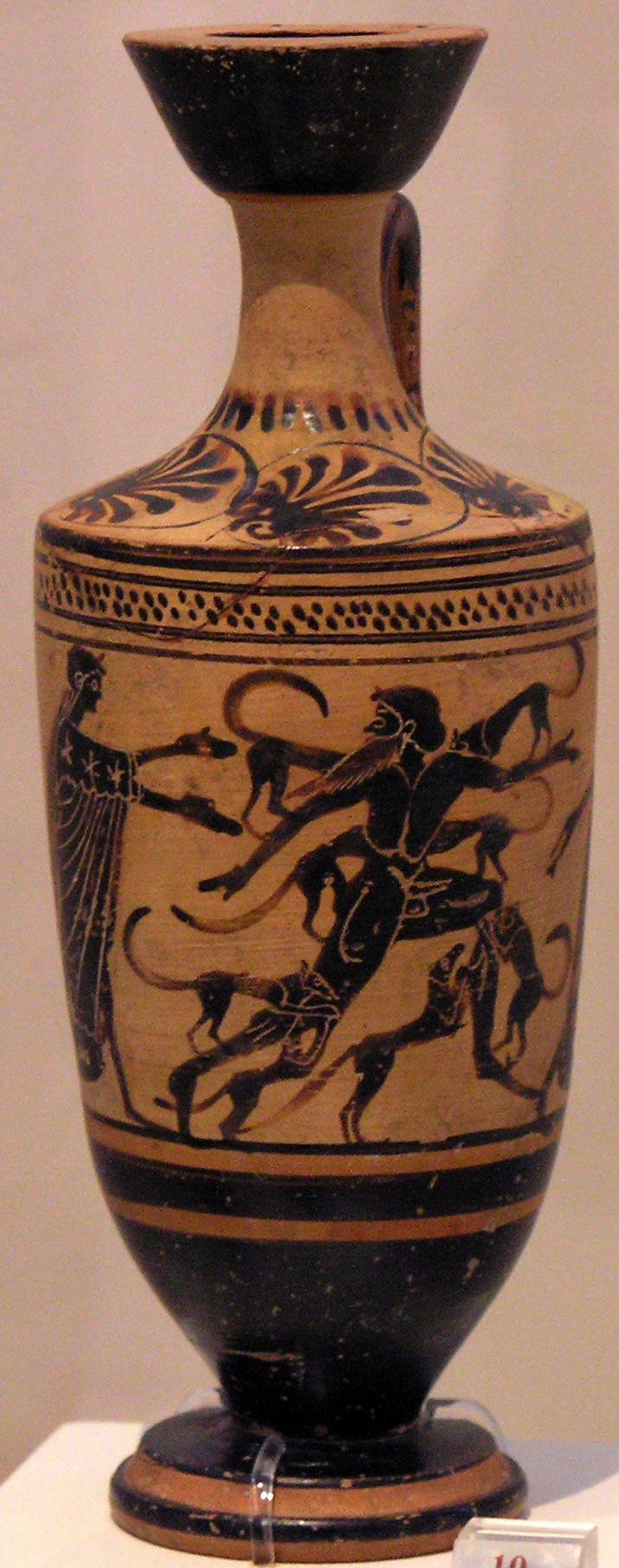 Lekythos a sfondo bianco, proveniente dall'Attica, ca. 480/470 a.C. Museo archeologico nazionale di Atene. Lekythos: piccolo vaso di forma allungata ad un manico per contenere profumi e unguenti.