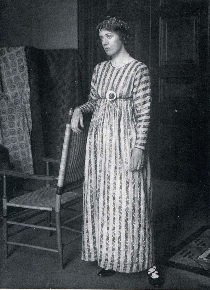 Vanessa Bell wearing one of her own designs, 1915.