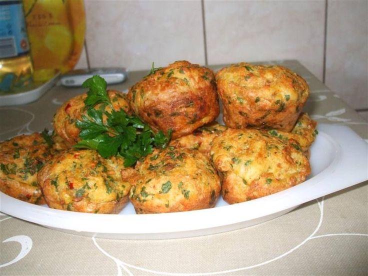 Töltelék muffin sütőben sütve! Önálló ételkén egy vacsira, salátával, remek!