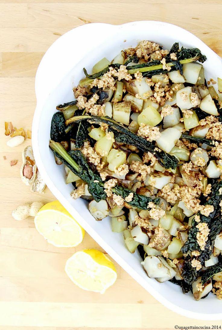 Insalata di topinambur e cavolo nero al forno con vinaigrette alle arachidi   Topinambur salsa with kale and peanut vinaigrette