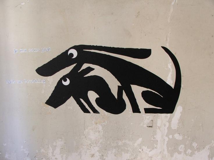 Woof, woof Paris