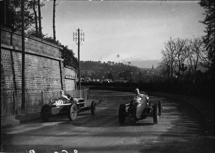 (20) René Dreyfus - Alfa Romeo P3 - Scuderia Ferrari - (2) Robert Brunet - Maserati 8CM - Écurie Braillard - III Grand Prix Automobile de Pau 1935 - Formule Libre