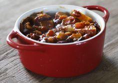 Toevoegen aan mijn receptenDeze stoofschotel met lamsvlees, zoete aardappelen gedroogde pruimen is puur genieten.Heerlijk met een beetje rijst. Maak hem zelf en serveer heerlijk mals lamsvlees met Marokkaanse smaken.