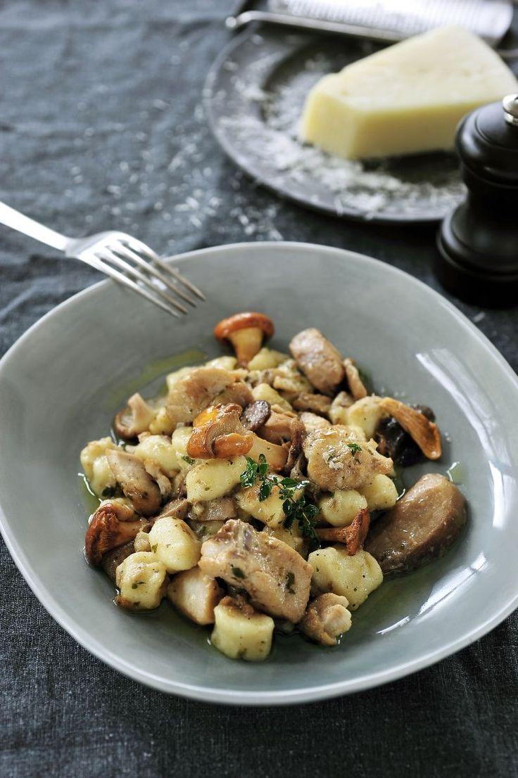 Roodbaars met gnocchi en bospaddenstoelen http://www.njam.tv/recepten/roodbaars-met-gnocchi-en-bospaddenstoelen
