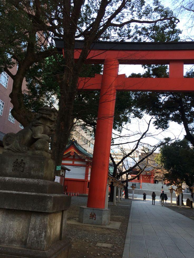 花園神社 新宿のど真ん中に こんな広い神社。