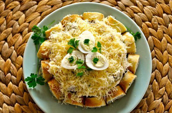 Интересный салат с блинами, мясной и сытный — готовить просто, есть вкусно! | NashaKuhnia.Ru