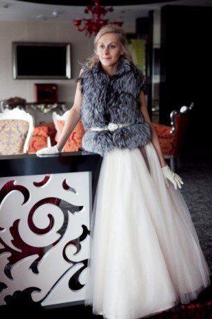 Свадебный меховой жилет для невесты