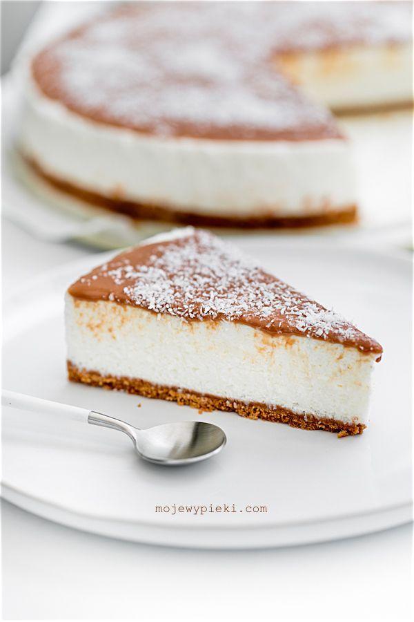 bounty cheesecake with coconut milk chocolate