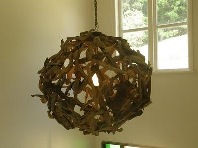 Drijfhout lamp