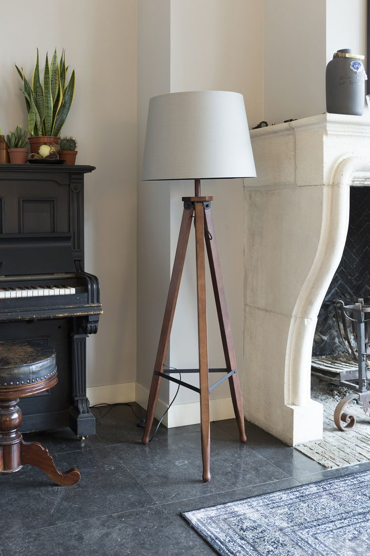 Rif floor lamp, verkrijgbaar o.a. bij Nijhof voor 239,00