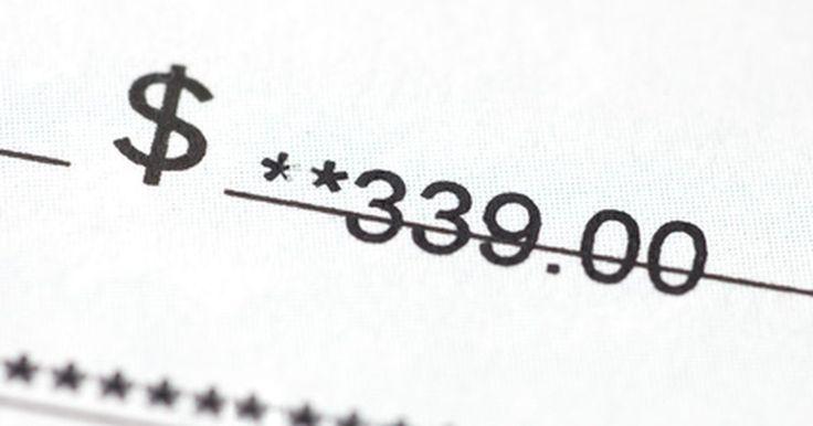 ¿Cuál es el tiempo antes de que un cheque personal expire?. De vez en cuando, la gente podría perder u olvidar un cheque personal que fue escrito para ellos para pagar por bienes o servicios. Cuando el cheque es descubierto, pueden surgir cuestiones acerca de si el cheque ha, o no, expirado.