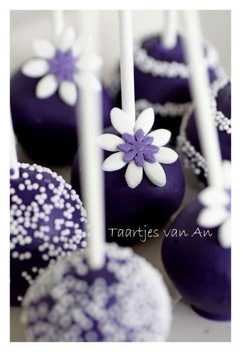 Cakepops purple Taartjes van An Nunspeet