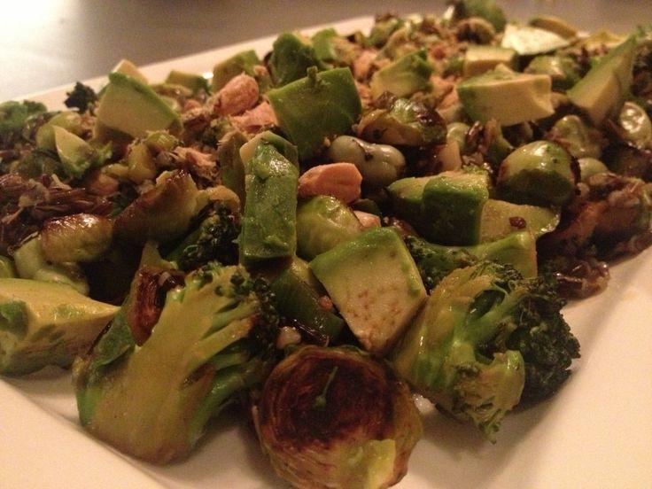 Echt een lentesalade met verse groene groenten, een frisse zoetzure dressing en voor de liefhebber zwarte rijst om het geheel af te maken. Een gezonde, goede vullende maaltijd die zo gemaakt is! [...]