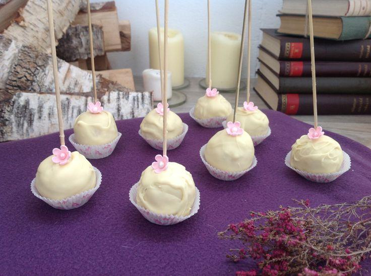 White cakepops.  Белые кейкпопсы