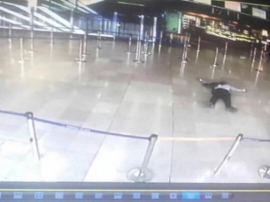 Ριζοσπαστικοποιημένος μουσουλμάνος ο δράστης της επίθεσης στο αεροδρόμιο Ορλί