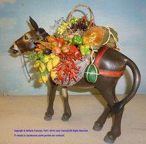Code #3 - Donkey whit basket - wood, with glass eyes. Asino con basto - legno, occhi di vetro. Baskets with wax fruit. Price €