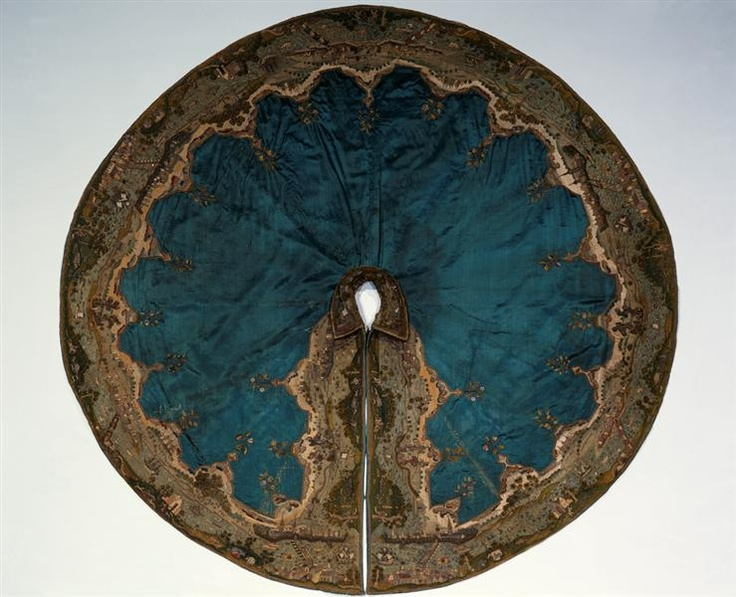 """1611 German: Amazing Spanish-Italian style """"sea green"""" riding cloak with embroidered map in silk, gold and silver. A Christmas present to prince Johann George I. of Saxonia from his mother, princess Sophie of Saxonia."""
