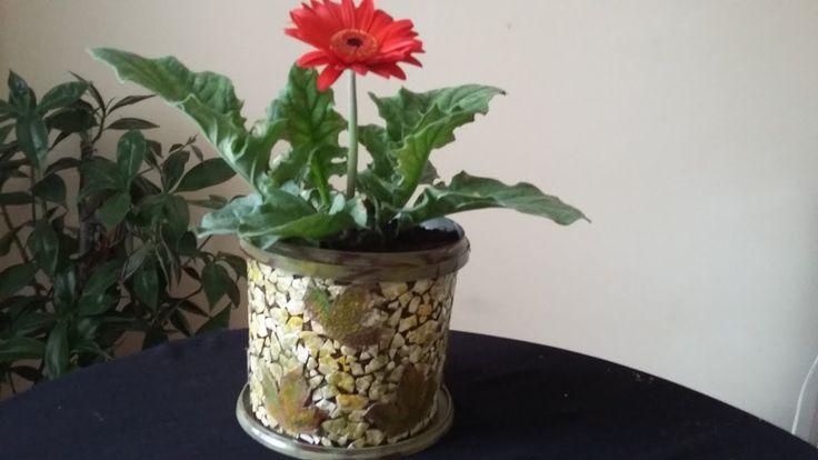 Yoğurt kovasından sonbahar temalı dekoratif saksı /  Geri dönüşüm