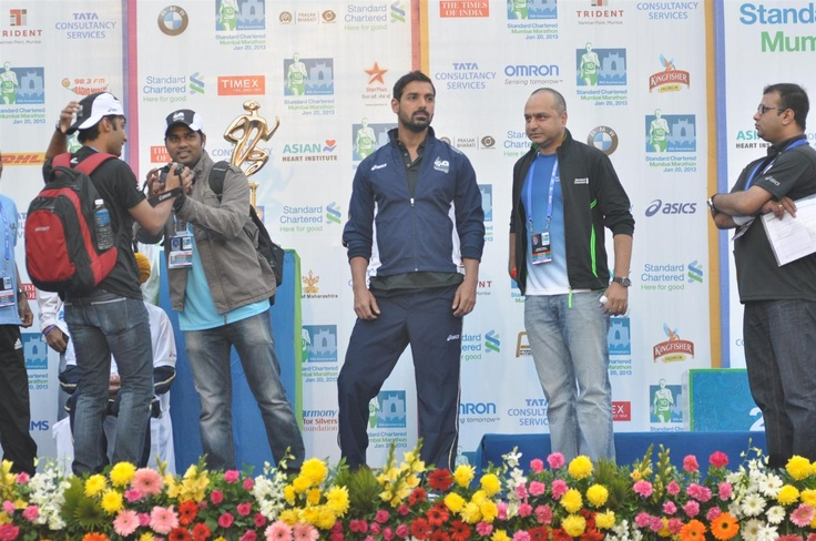 John Abraham at The 10th Standard Chartered Mumbai Marathon.