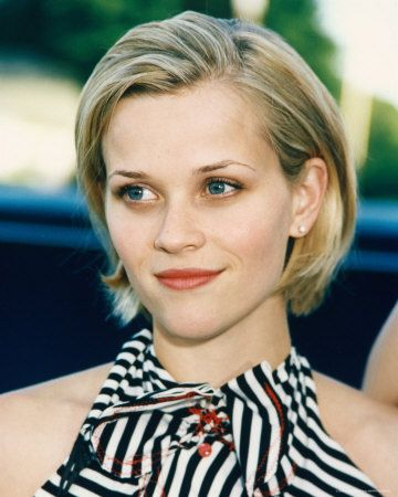 Short Blonde Hair Of Reese Witherspoon Look Amazingly Sexy