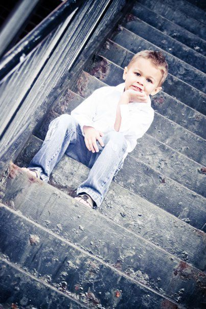 children photography. This would be a nice picture for Gabriel