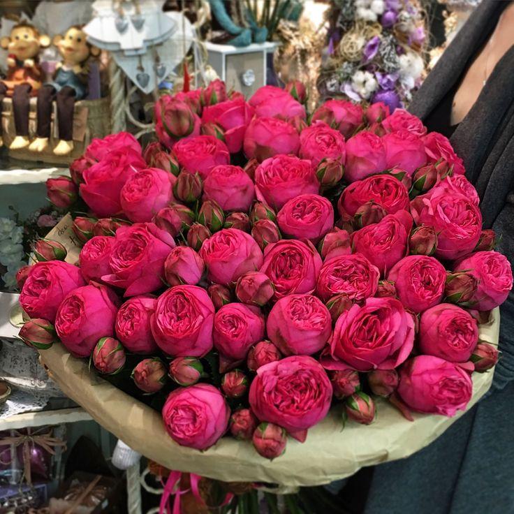 Букеты роскошных роз кланы сталкивались